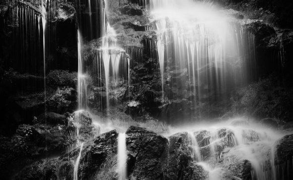 Wasserfall (Schwarz Weiss)
