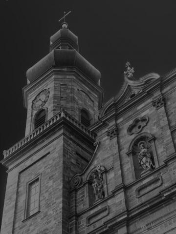 Kirche in Schwarz Weiss